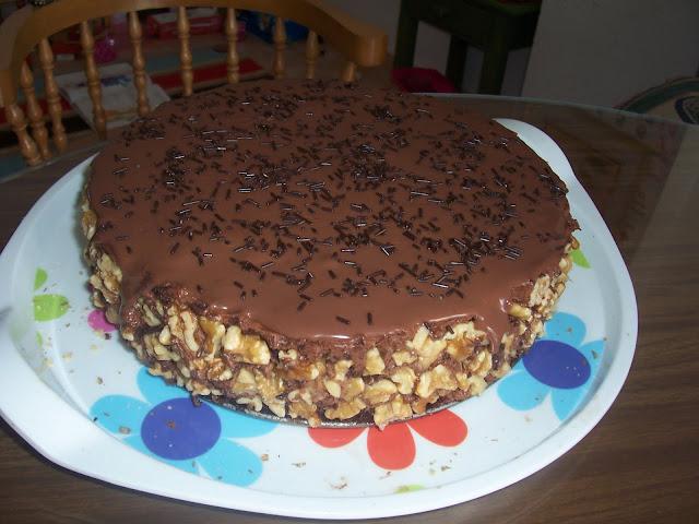 Tarta con Mousse de Chocolate y Nueces
