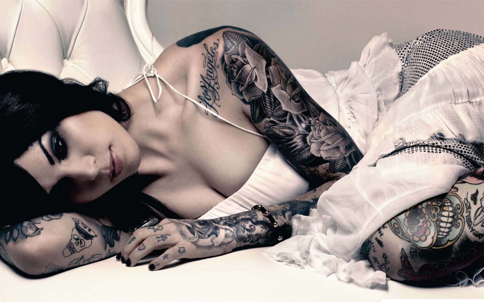 cool tattoo designs. Black Bedroom Furniture Sets. Home Design Ideas