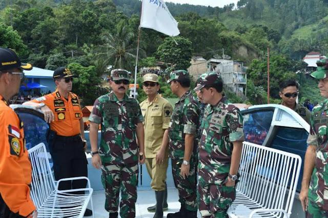 Bupati Simalungun JR Saragih mendapingi panglima TNI Marsekal TNI Hadi Tjahjanto SIP.
