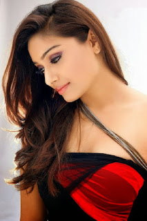 Aishwarya Devan Ultra HD Gallery