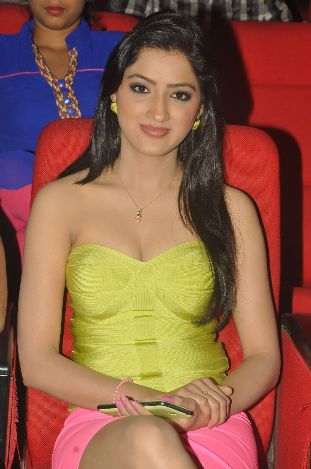 Gorgeous hot sexy Richa panai at cinemaa awards