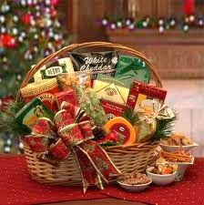How to make a Christmas gift basket