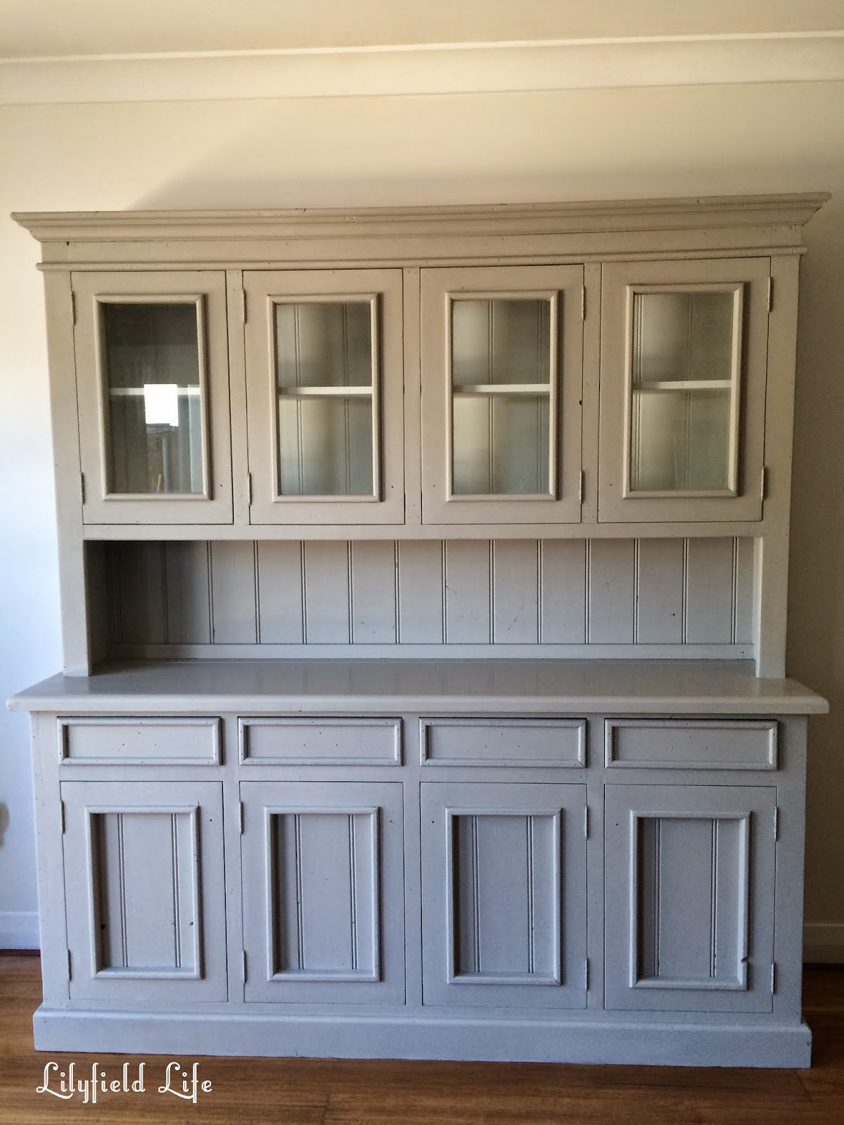 A Pine Hutch Gets Painted