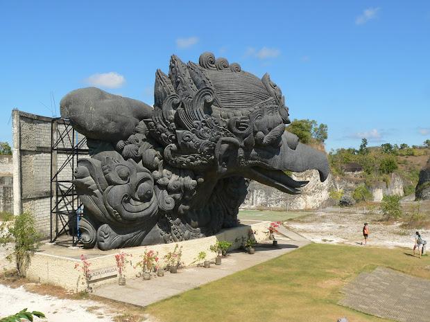 Foto Patung Garuda Wisnu Kencana Gwk Bali