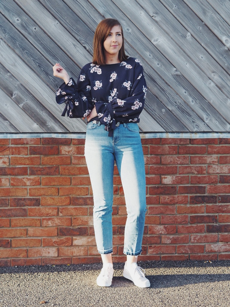 fbloggers, fblogger, ootd, outfitoftheday, lotd, lookofthday, wiw, whatimwearing, asseenonme, oversizedflorals, pinkadidasgazelles