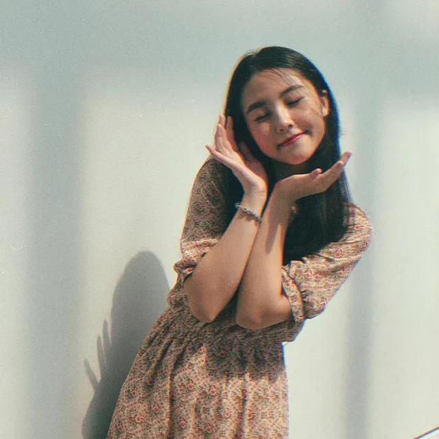 Nữ sinh ĐH Kinh tế - Luật xinh đẹp, sở hữu góc nghiêng cực phẩm khiến bạn nhìn là mê ngay