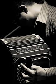 五月讀人會:讀程希智 Tango 手風琴