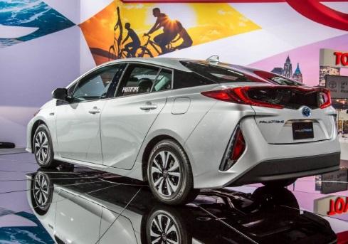 Brand New Camry Price Corolla Altis Vs Skoda Octavia 2018 Toyota Prius Prime Concept, Specs, Release Date ...