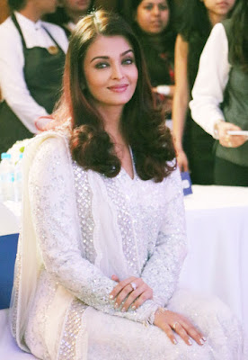 Aishwarya-Rai-Bachchan-@-smile-train-india-event