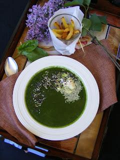 Пролетна зелена супа