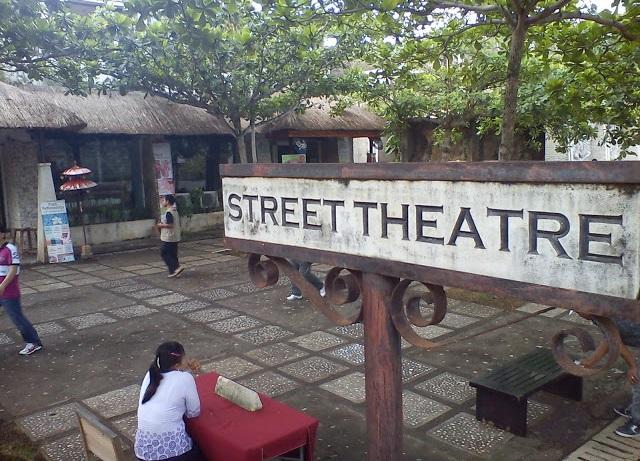 Street Theater - Garuda Wisnu Kencana