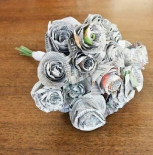 How to make flowers from used newspapers