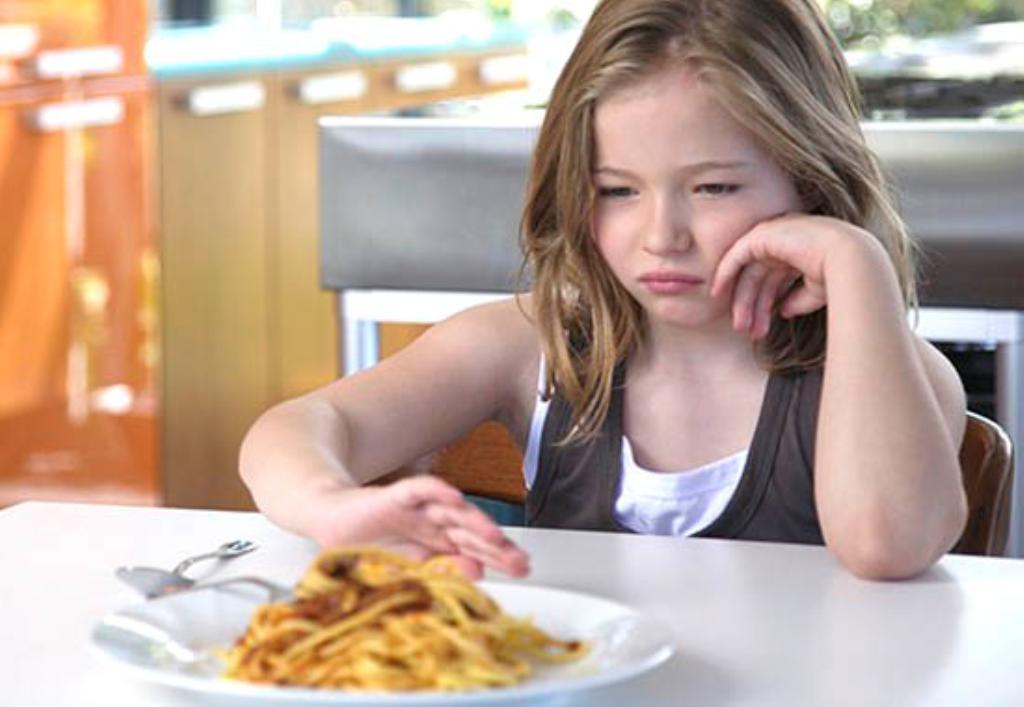 Memahami Alasan Anak Susah Makan, Begini Cara Menyiasatinya, Solusi Anak Susah Makan, Tips Cara Atasi Anak Susah Makan. mudah dan praktis