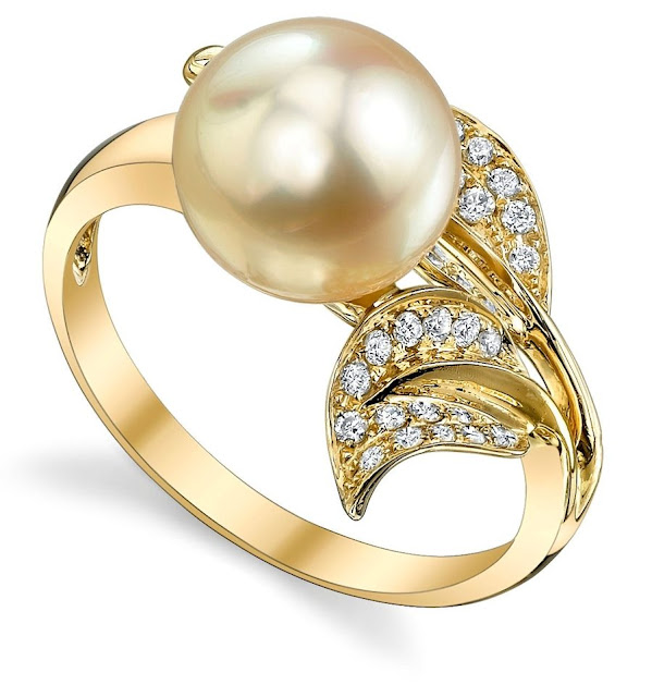 Canadian Diamond Pearl Rings