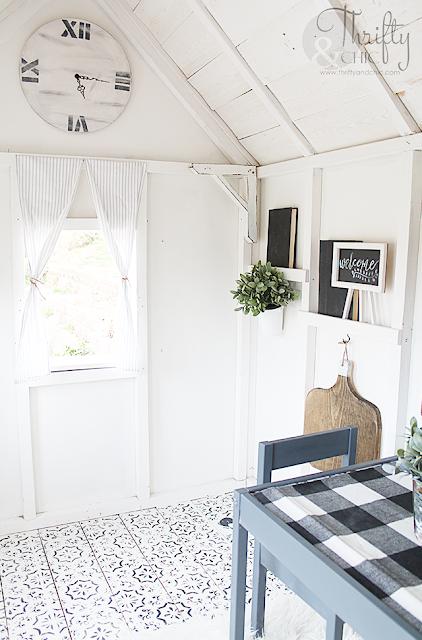 DIY playhouse interior decor and decorating ideas. Inside of playhouse decor. How to decorate the inside of a playhouse. DIY playhouse decor and ideas.