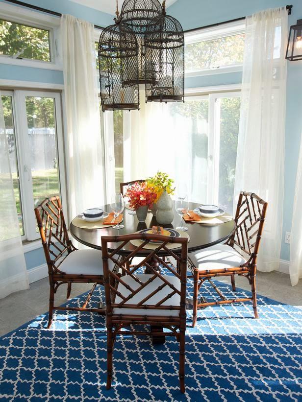 Comedores azules colores en casa for Sillas azules comedor