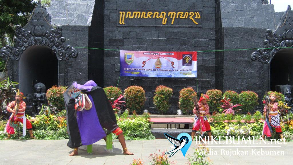 Turonggo Langgeng Budoyo Sruweng Pentas di Taman Mini