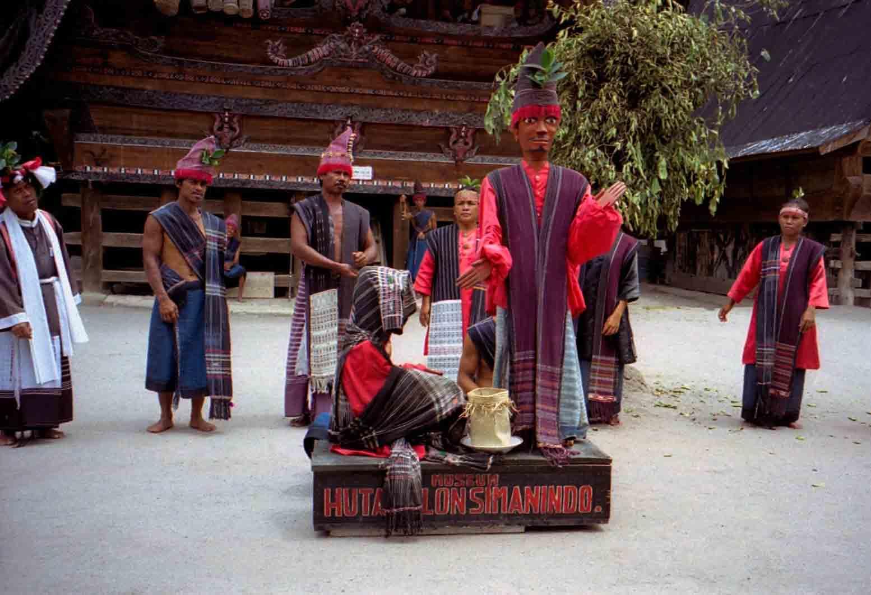 Tari Sigale-Gale, Kesenian Unik Dari Sumatera Utara