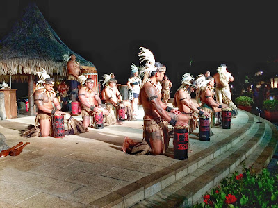 Polynesian dinner dance show at the Intercontinental Tahiti