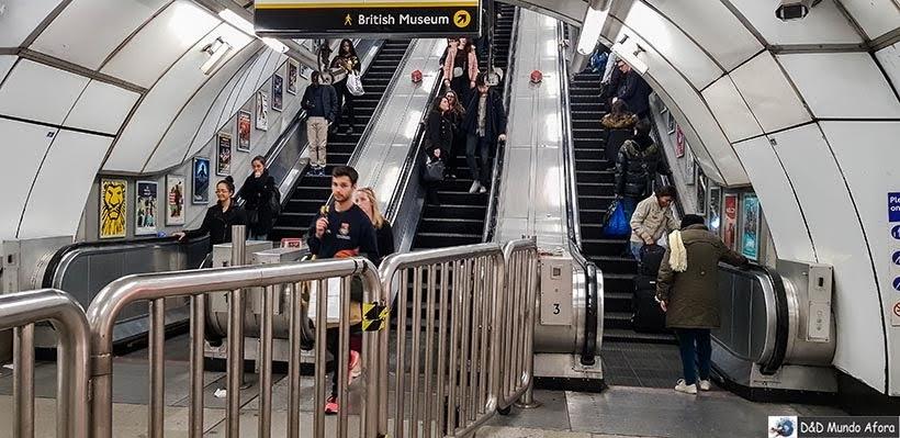 Metrô de Londres - Pagando mico: sem falar inglês na Europa