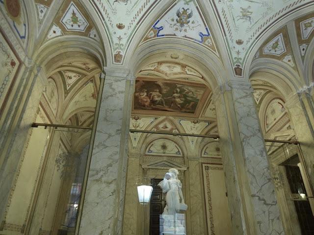 atrio del palazzo Tommaso spinola a genova