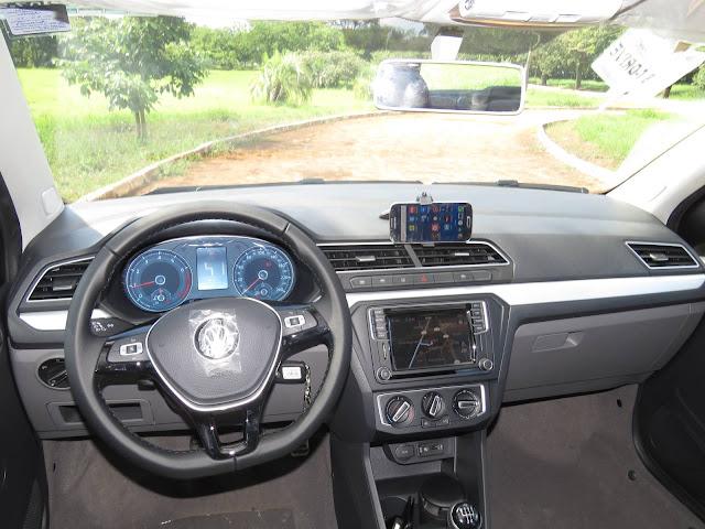 Volkswagen Voyage 2017 - interior