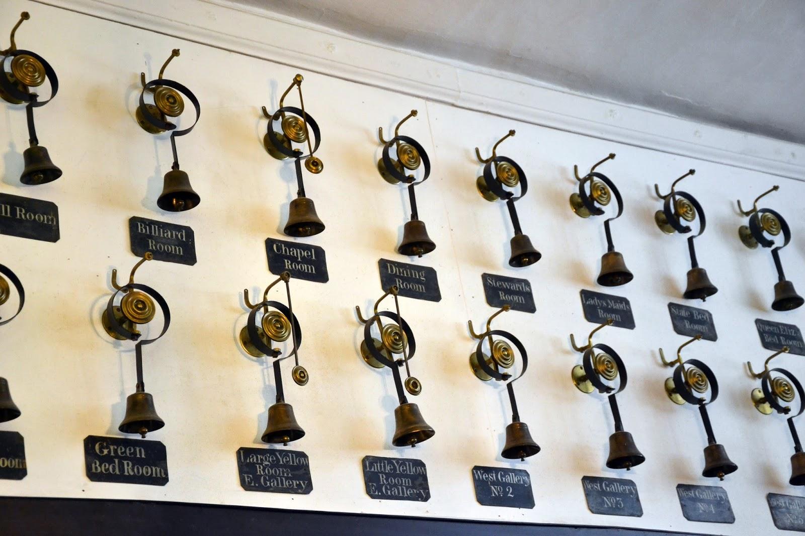 Звонок вызова прислуги 7 букв сколько стоит монета денга 1731 года цена