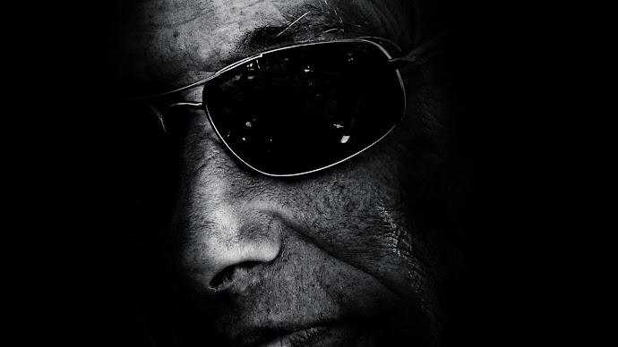 Wallpaper: Shadow Portrait