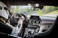 Mercedes Benz AMG GT R 2017, Resmi Menggunakan Rear Wheel Steering
