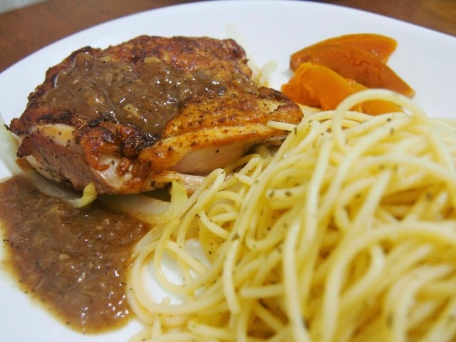 YKY enjoys cooking: 香草雞扒配橄欖油意粉 (配自制黑椒汁)