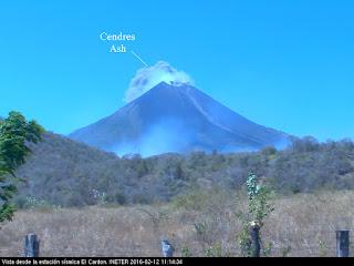 Explosion sur le volcan Momotombo, 12 février 2016 au matin