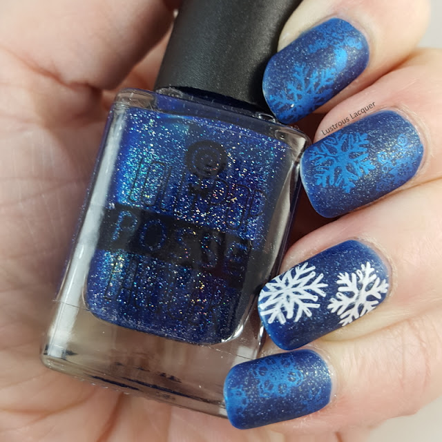 Frozen-manicure-stamped-snowflakes-glitter-nail-polish
