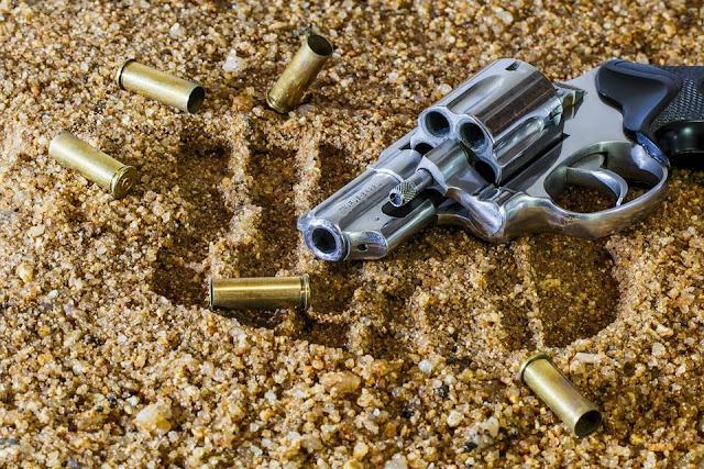 Acesso a armas e violência facilitam massacre