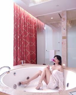 steffy castillo bathtub topless pics 05
