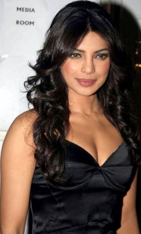 Kareena Kapoor Without Dress Hip