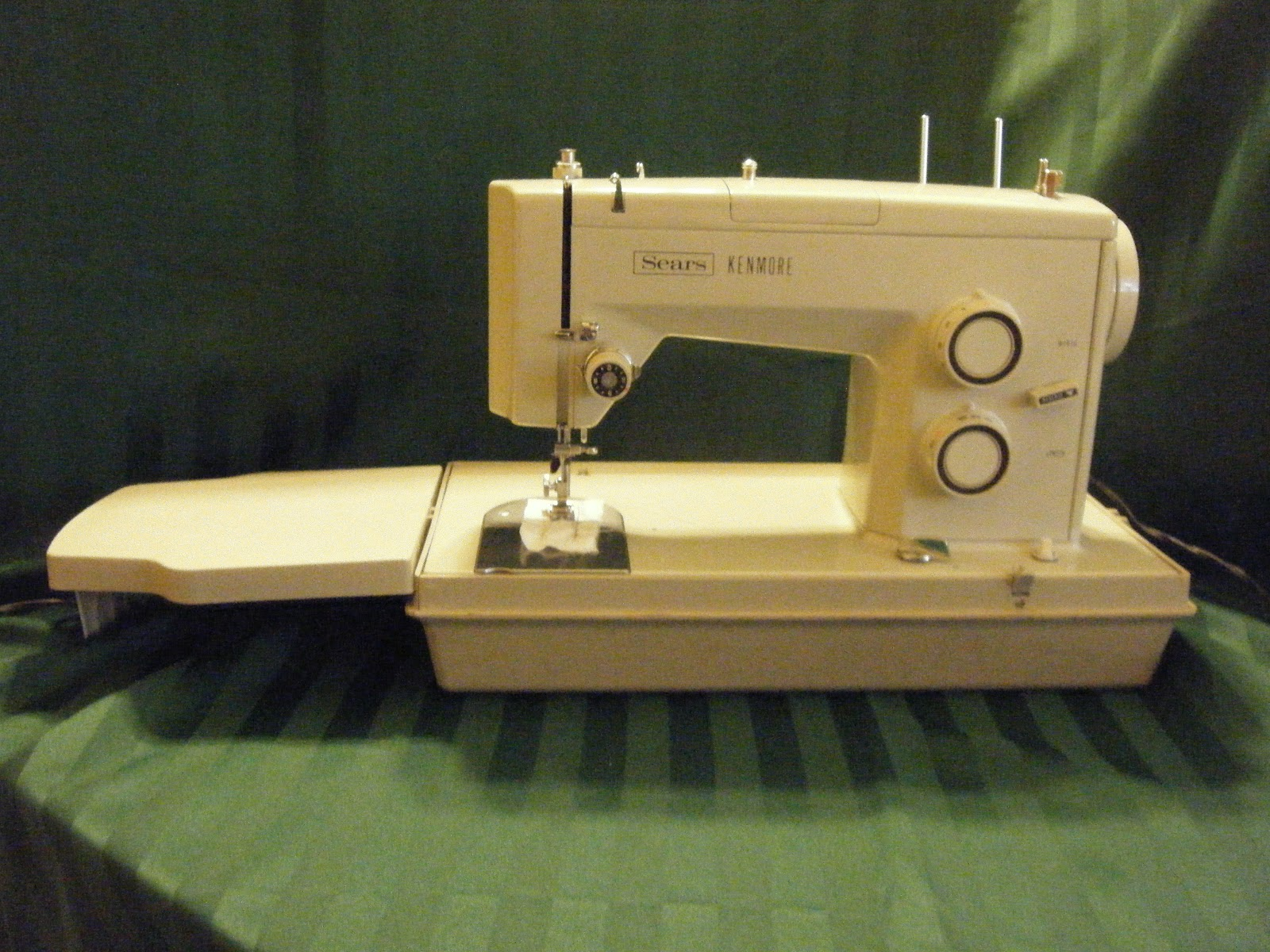 Dragonpoodle Studio Are You Looking For One Good Vintage Machine Necchi Bu Sewing Threading Diagram Kenmore 1515 With Its Extension Table