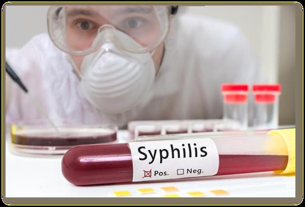 Sifilisul se poate transmite prin sarut? Sifilisul se transmite de la mama la fat? Cum recunosc sifilisul? Tratamentul sifilisului este complicat? Cat dureaza tratamentul sifilisului?