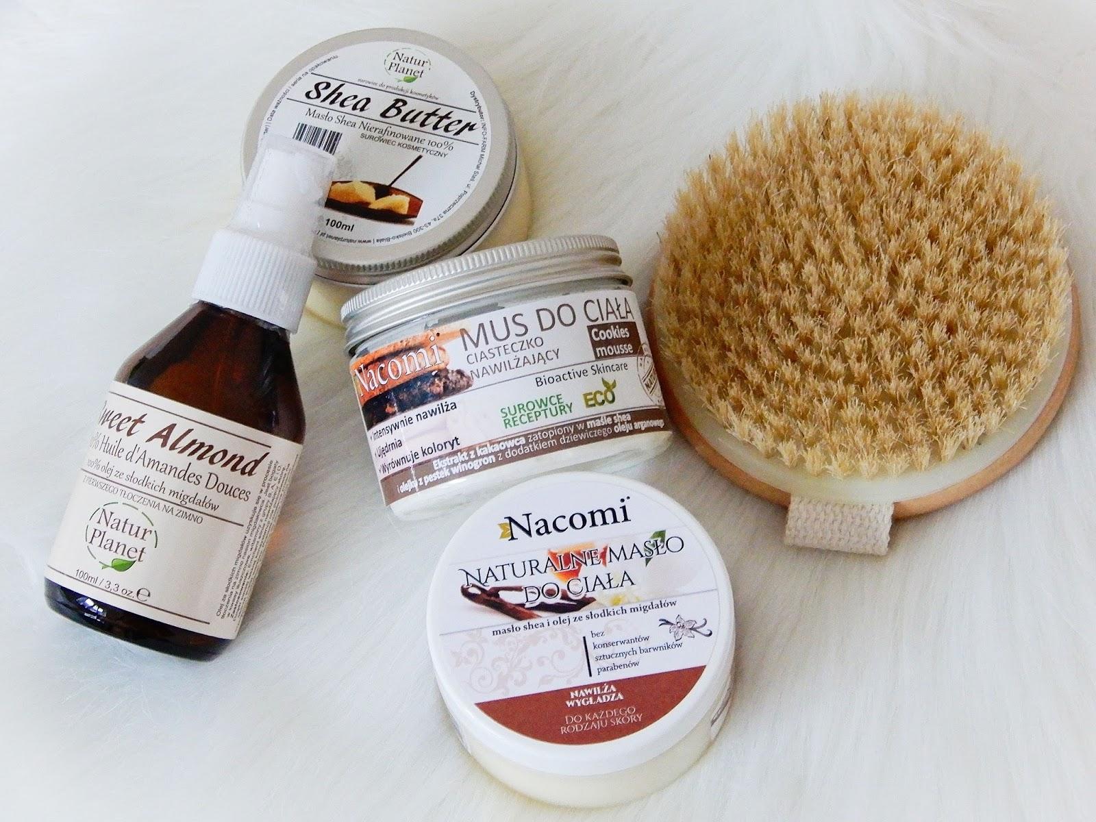Masło Shea, olej ze słodkich migdałów  Natur Planet, Natur Planet, Nacomi, Nacomi ciasteczkowy mus do ciała, Nacomi naturalne masło do ciała, naturalną szczotkę do szczotkowania skóry na sucho, For Your Beauty drewniana szczotka do masażu,