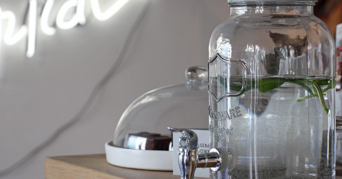 anneliwest berlin tropical traunstein. Black Bedroom Furniture Sets. Home Design Ideas