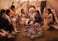 Oturan Kızılderililer Fıotoğrafı
