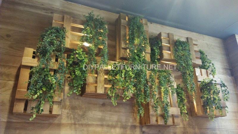 L mparas y jardineras con cajas de fruta for Jardineras con palets de madera
