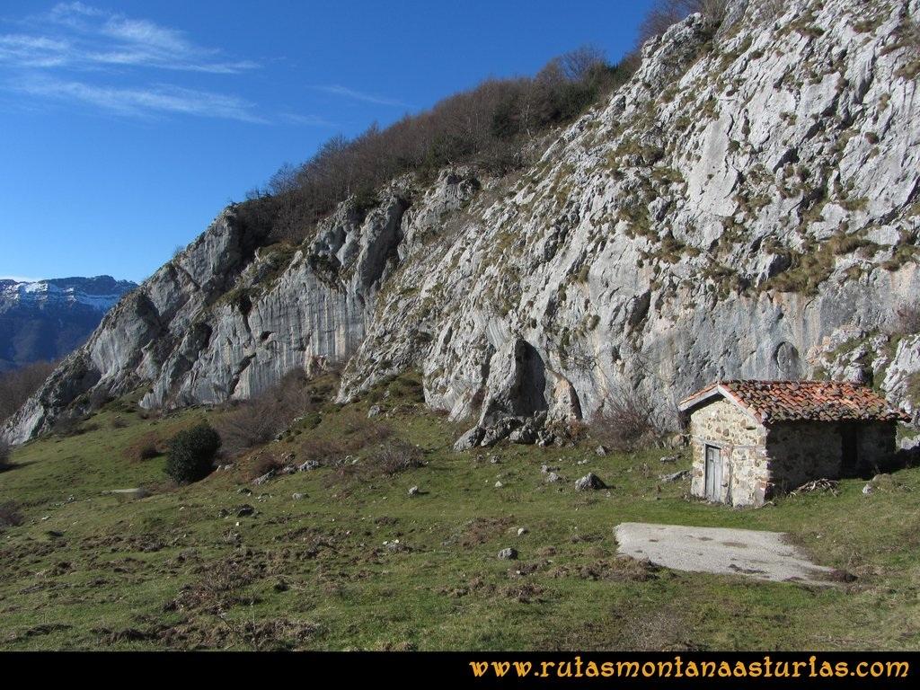 Pico Mosquito desde Tarna: Cabañas