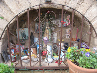 shrine for a Mexican social engineer