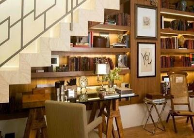 decoración estudio debajo escalera
