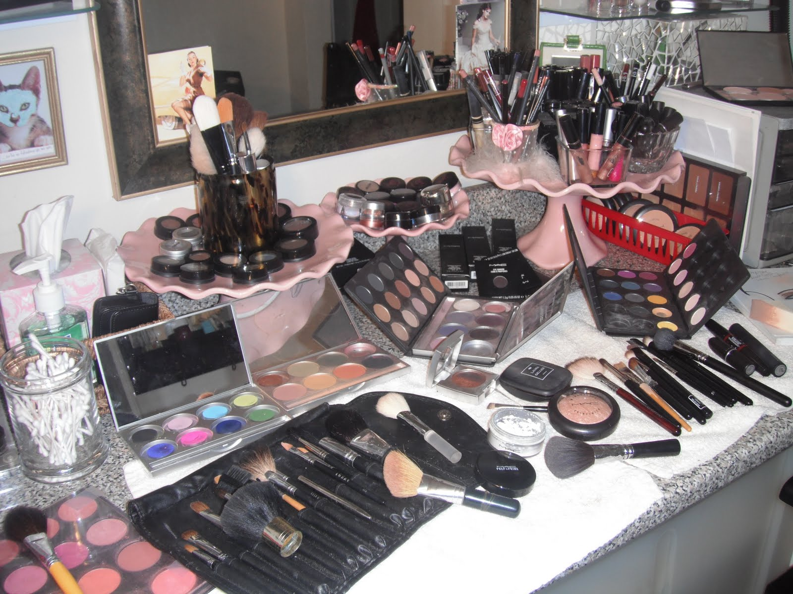 Preferenza Deeva Beauty: TIPS FOR FINDING AND HIRING A PROFESSIONAL MAKEUP ARTIST VX09