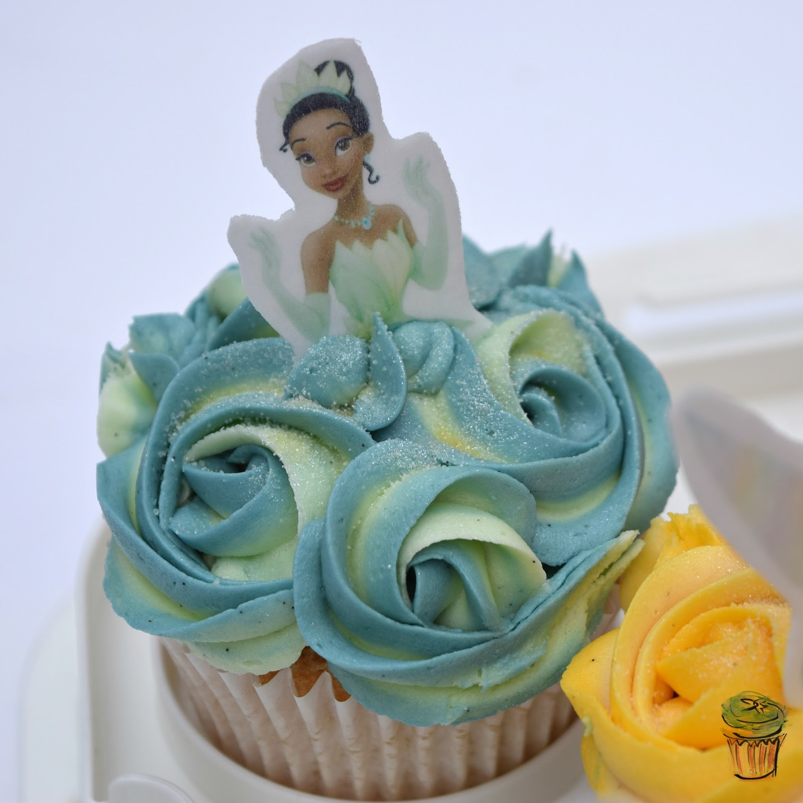 Princess and The Frog Disney Princess Cupcake Ombre Icing