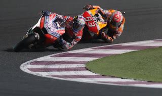 MOTO GP - Andrea Dovizioso y Marc Márquez abren la temporada con un duelo vibrante en Qatar, en beneficio para el italiano