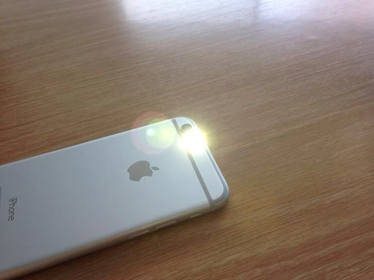 Membuat LED Flash iPhone Berkedip Saat Ada Notifikasi