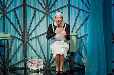 Jennifer France - Die Fledermaus - Opera Holland Park. Photo Robert Workman.