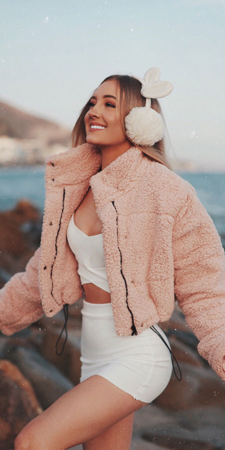25 Best Extra Nice Winter Outfits to Wear Now.  ootd winter casual winter clothes style ulzzang fashion winter winter fashion ideas winter fashion style #fashionable #fashionblogger #fashiondesign #fashionblog